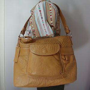 Butterscotch Brown Relic leather shoulder bag
